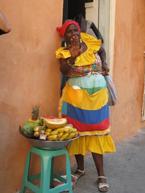 Vendedora_de_frutas_Cartagena_Colombia